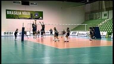 Brasília Vôlei inicia play-offs da Superliga Feminina contra o Osasco - Equipe do Distrito Federal enfrenta o líder invicto da competição na melhor de três.