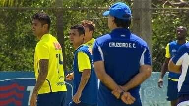 Cruzeiro se prepara para duelo contra o Defensor-URU, pela Libertadores - Éverton Ribeiro é promessa de gols da Celeste para a partida.