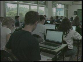 Tecnologia na sala de aula de uma escola particular de Santa Rosa, RS - O projeto pedagógico digital foi inspirado em uma escola salesiana da Espanha.