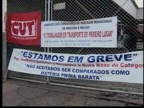 Motoristas de transporte intermunicipal entram em greve - Situação prejudica passageiros na Nova Alta Paulistana