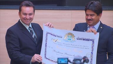 Jornalista Rembram Junior ganha título de cidadão recifense - Caruaruense, jornalista esportivo da TV Globo mora há mais de 20 anos na capital pernambucana.