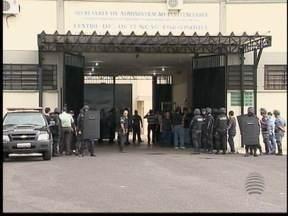 Polícia entra no CDP de Caiuá com comboio de presos - Veja na reportagem de Bruna Bachega e Adilson Vieira.