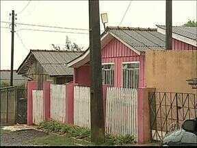 Moradores não têm a documentação das casas em que vivem - Eles aguardam as escrituras há pelo menos quinze anos.