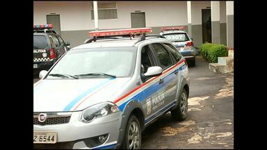 Policiais podem ser expulsos da PM - Eles foram presos em flagrante por uma equipe da corregedoria da Polícia Militar na região do Lago Grande, acusados de cobrar dinheiro para liberar carro em situação irregular.