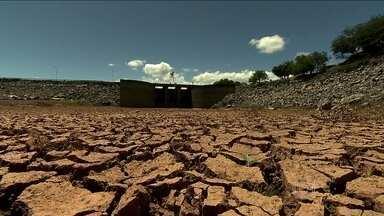 São Paulo quer captar água de um afluente do Rio Paraíba do Sul para socorrer Cantareira - O nível do Sistema Cantareira está em nível crítico por causa da seca prolongada. O governo paulista argumenta que não haveria prejuízo para o Rio de Janeiro.