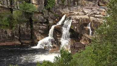 Imagens feitas de helicóptero revelam detalhes da Cachoeira Carrossel - A cachoeira fica a 4,5 quilômetros da entrada principal do Parque. Chegar até lá, por enquanto, é uma aventura. Para ter uma vista completa, a equipe do programa embarcou em um helicóptero.