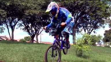 Conheça uma ciclista que é promessa para as Olimpíadas de 2016 - Júlia Costa é londrinense, mas treina em São Paulo