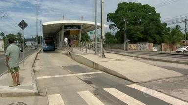 Nove estações do BRT Transoeste são inauguradas neste sábado (22) - O novo trecho do corredor expresso de ônibus liga Santa Cruz a Campo Grande. A expectativa é que 20 mil passageiros usem o transporte todos os dias.