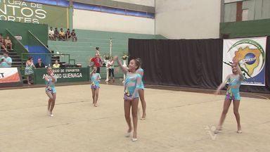 1º Campeonato Brasileiro de Ginastica Estética é realizado em Santos - Esporte é a mistura de ginástica acrobática e dança