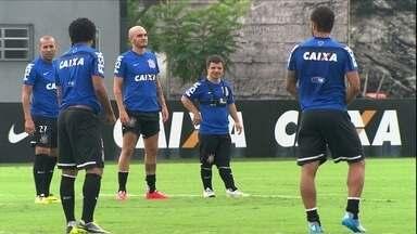 Garoto especial ganha dia de jogador do Corinthians - Caio Tadeu visita o CT no Dia Internacional da Síndrome de Down