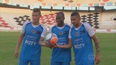 Santa Cruz recebe trio de reforços - Betinho, Adilson e Zeca chegaram e já treinaram