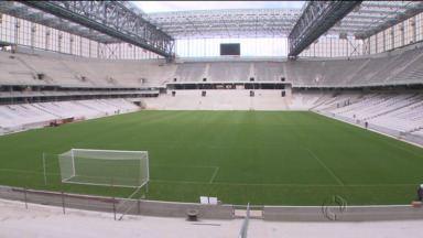 Técnicos da Fifa fazem vistoria na Arena - Reunião logo cedo precedeu visita ao estádio do Atlético, onde haverá quatro jogos da Copa.