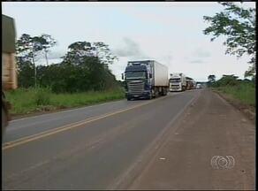 Polícia Rodoviária Federal fiscaliza excesso de peso em caminhões - Polícia Rodoviária Federal fiscaliza excesso de peso em caminhões
