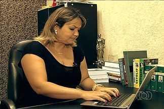Trabalhadores recorrem aos cursos a distância para buscar aumento salarial em Goiás - Em Goiás, há mais de 300 cursos regularizados em 142 instituições. Confira oportunidades de emprego e estágio na capital e no interior.