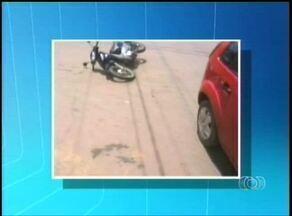 Motociclista é atingida por carro do Corpo de Bombeiros em Araguaína - Motociclista é atingida por carro do Corpo de Bombeiros em Araguaína