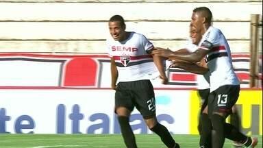 Garotos do São Paulo vencem Botafogo-SP em Ribeirão Preto - Lucas Evangelista e Ademilson marcam para o Tricolor