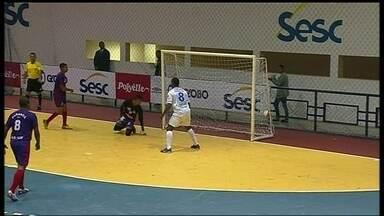 Abertura da Copa Brasília conta com 'chuva' de gols - Oitava edição da maior competição de futsal do Distrito Federal teve 13 gols em sua partida inaugural.
