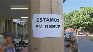 Greve dos servidores da UFPE atrapalha atendimento no Hospital das Clínicas - Serviços estão limitados por causa da greve dos funcionários técnico-administrativos. Movimento é por tempo indeterminado.