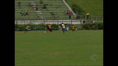 Garotos passam por peneira do São Paulo em Juiz de Fora - Seletiva, realizada no Estádio Municipal neste fim de semana, reuniu cerca de 300 crianças e adolescentes. Menino de 9 anos é selecionado