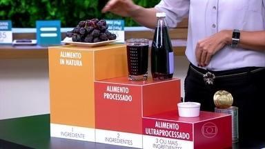 Produtos processados devem ser combinados com alimentos in natura - A coordenadora de nutrição do Ministério da Saúde, Patrícia Jaime, explica por que se deve dar preferência aos produtos naturais.