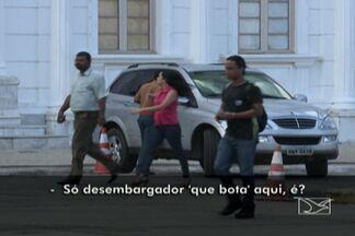 Em São Luís, vagas em espaço público são privativas a autoridades - Em São Luís, vagas em espaço público são privativas a autoridadesCaso que ocorre diariamente no Centro foi destaque na TV Mirante.