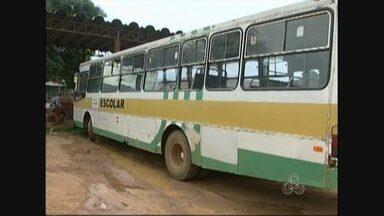 Estudantes de escolas rurais de Ariquemes continuam sem estudar por falta de transporte - Problema foi causado pelo atraso no processo licitatório para locação dos ônibus.