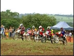 Divinópolis recebe 1ª Etapa de Cross Country do Centro-Oeste de Minas - Competição será nos dias 22 e 23 de março e busca incluir modalidade no calendário esportivo. Serão dez categorias disputadas em pista de motocross de 3 mil metros