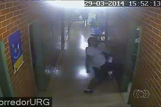 Homem é preso após invadir farmácia de Cais em Goiânia - Paciente teria esperando 1 h para tentar conseguir um remédio, em Goiânia.