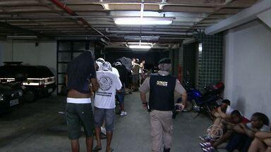 Vinte e oito integrantes de torcidas do Atlético-MG e do Cruzeiro são presos em BH - Outros nove adolescentes foram apreendidos no Túnel da Lagoinha, na Região Noroeste da capital mineira.