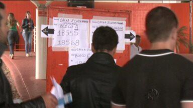 Quase 84 mil pessoas prestaram concurso da Caixa no Paraná - Esse foi o maior concurso do banco já realizado.