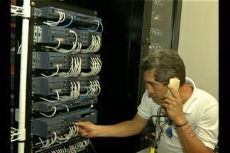 Conheça a profissão de técnico em telecomunicações - Profissional é responsável por trabalhar em qualquer processão de transmissão de informações ou dados à longa distância. Salário inicial é de 2.500 reais.
