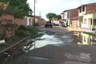 A falta de infraestrutura na Vila Luisão, em São Luís, é motivo de muitas reclamações - Os moradores até já protocolaram um pedido de ajuda na prefeitura de São Luís no ano passado.