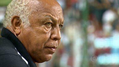 Com 45 anos de Galo, massagista Belmiro de Oliveira, ver o clube chegar a mais uma final - Com 45 anos de Galo, massagista Belmiro de Oliveira, ver o clube chegar a mais uma final