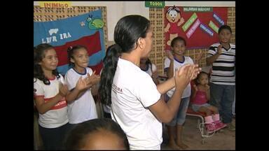 Jovens vulneráveis à criminalidade recebem projeto Nossa Terra - Iniciativa é realizada no bairro Jaderlândia, onde a criminalidade é preocupante.