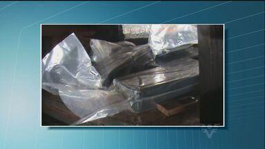 PF prende 23 pessoas e apreende 3,7 toneladas de cocaína em operação - Polícia Federal investigava tráfico de drogas no Porto de Santos. Cocaína pura deixava o local e ia para Europa, Cuba e África.