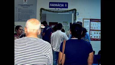 Regional de Saúde vai mudar forma de entrega de medicamento, depois de muita reclamação - Veja como vai funcionar o atendimento na farmácia da Regional de Maringá para tentar evitar as longas filas.