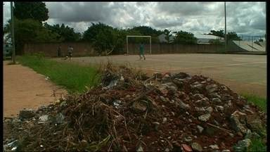 Moradores do Areal reclamam da situação de ponto de lazer - A praça foi reformada em 2009, mas está depredada e cheia de lixo. As parceiras do DF Jasmim Teixeira e Catarine Castro foram ver a situação.