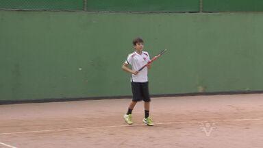 Atleta do Tênis Clube de Santos é campeão do maior torneio infanto-juvenil do país - Lucas Silva foi campeão do Banana Bowl