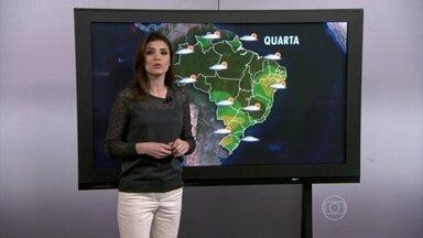 Forte chuva provoca prejuízos em Ananindeua (PA) - A Secretaria de Saneamento da cidade informou que está realizando a limpeza de canais. A previsão é de chuva forte para Ananindeua e para Belo Horizonte. O tempo fica firme entre o oeste do Rio Grande do Sul e a região central de São Paulo.
