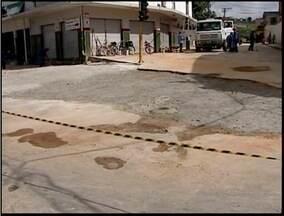 Equipe de reportagem mostra conclusão de obra no bairro Bela Vista - Cratera foi aberta no trecho urbano da BR-418.