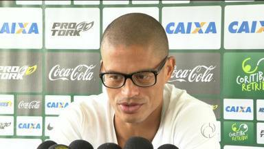 Alex desmente boatos sobre aposentadoria - Craque do Coritiba afirma que irá cumprir o contrato com o clube e só para após o fim do Campeonato Brasileiro