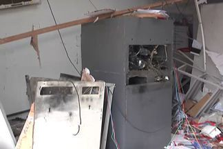 Bandidos estouram caixas eletrônicos da agência do Bradesco - Moradores da região tocantina acordaram com o barulho de explosão na madrugada.