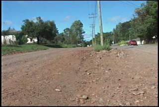 Adolescente atropelada por ônibus em Santiago é transferida para hospital de Uruguaiana,RS - O acidente foi no início da tarde de ontem no bairro Ana Bonatto.