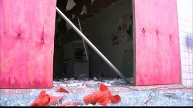 JPB2JP: Caixa eletrônico é explodido na cidade de Cacimbas - Ladrões conseguiram fugir levando dinheiro.