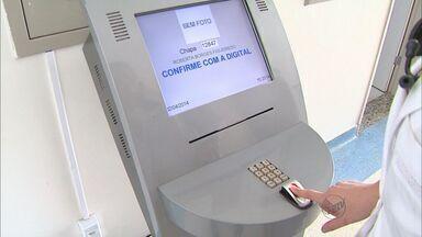 Médicos de Franca começam a marcar entrada e saída em pontos biométricos - Decisão da Prefeitura veio após denúncia de irregularidades no expediente.
