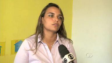 Centro de Amor a Vida faz programação especial de aniversário - A presidente do CAVIDA, Heloísa Claire, comenta sobre como funciona o serviço de atendimento e também fala sobre programação festiva.