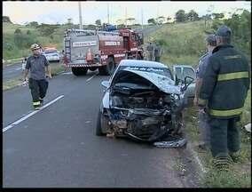 Polícia prende por embriaguez motorista que provocou acidente - Uma pessoa morreu na colisão que envolveu cinco veículos.