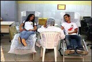 Estudantes de uma escola pública do Crato realizam campanha de doação de sangue - Hemocentro do Cariri faz várias captações itinerantes na região.
