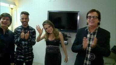 Zeca Camargo visita Sandy, Junior e Xororó nos camarins da TV Globo - Cantora conta que ainda não decidiu nome do filho e Junior anuncia casamento para o fim do ano