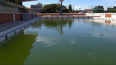 Piscina do Parque Aquático Zé Peixe não tem condições de uso - Assista ao vídeo e veja um problema que tem prejudicado os nadadores sergipanos